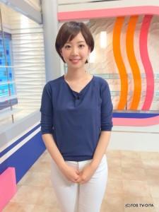 井下育恵キャスター 衣装協力:MIX(大分市金池町)