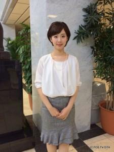 井下育恵キャスター 衣装協力:青(大分市金池町)