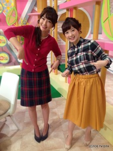 岩崎さんのスカートと、わたくし田中のシャツがどちらもチェック模様でした。 「チェッカーズや~!」と盛り上がったので、記念にパチリ☆ 店頭に並ぶチェック模様の洋服を見ては秋を感じる、きょうこの頃です。