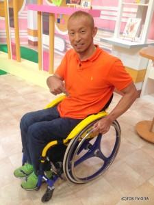 最近、廣道さんの愛車がさらにかっこよくリニューアルしました! 鮮やかな黄色と青がまぶしいですねー☆