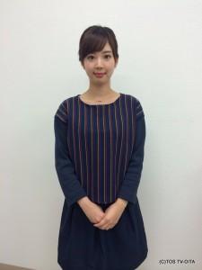 井下育恵キャスター 衣装協力:GRAPEFRUIT MOON(大分フォーラス3階)