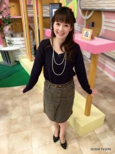 田中愛佳アナウンサー 衣装協力:Pate * bloom garden(ゆめタウン別府2F)