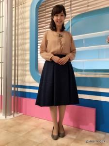 井下育恵キャスター 衣装協力:coote Gready Brilliant(パークプレイス大分 ガーデンウォーク1階)